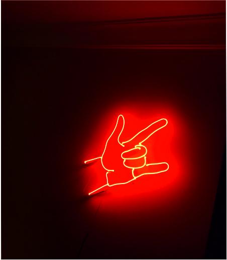 rock el işareti neon sign