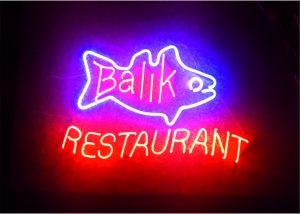 balık restaurant neon yazı imalatı